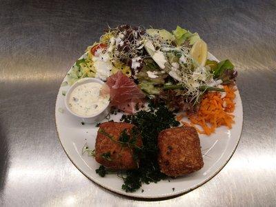 huisgemaakte gandahamkroketten (2)- salade/meloen